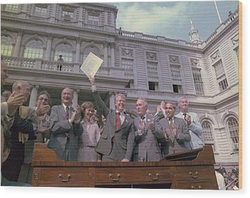 President Jimmy Carter With New York Wood Print by Everett