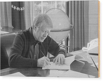 President Jimmy Carter Working Wood Print by Everett