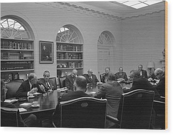 President Lyndon Johnson Meets With The Wood Print by Everett