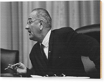 President Lyndon Johnson Speaking Wood Print by Everett