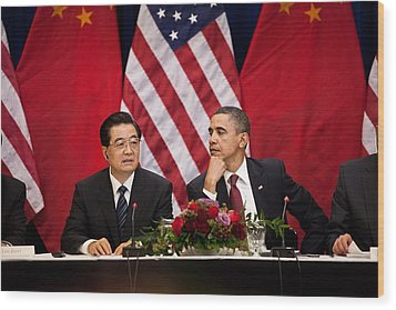 President Obama And Chinese President Wood Print by Everett