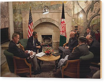 President Obama Meets With Afghan Wood Print by Everett