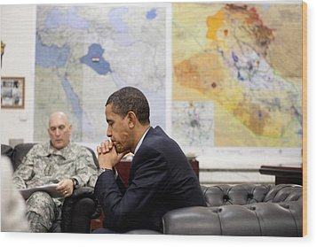 President Obama Meets With Gen. Raymond Wood Print by Everett