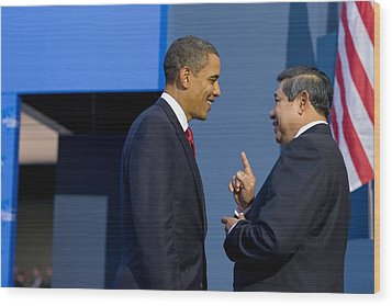 President Obama Talks With Indonesian Wood Print by Everett