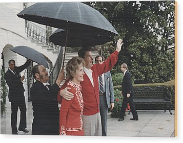President Ronald Reagan And First Lady Wood Print by Everett