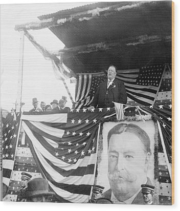 President Taft Giving A Speech In Augusta - Georgia C 1910 Wood Print by International  Images
