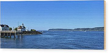 Puget Sound Light Hosue Wood Print by Rob Green