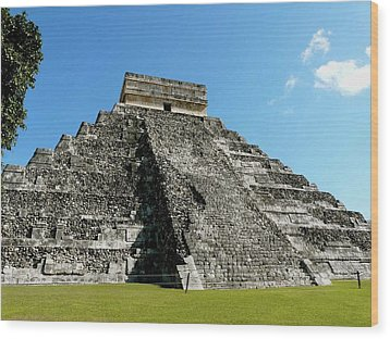 Pyramid Of Kukulcan Wood Print by Cute Kitten Images