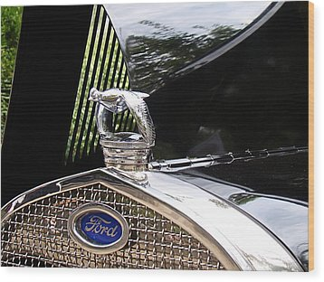 Quail Radiator Cap- Ford Wood Print by Nick Kloepping