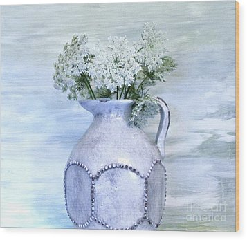 Queen Annes Lace Wood Print by Marsha Heiken
