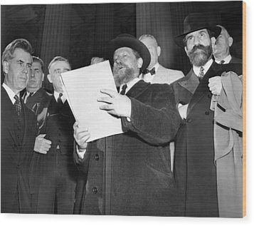 Rabbi Eliezer Silver Reads A Petition Wood Print by Everett