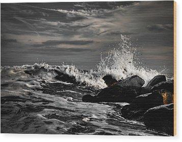 Raging Seas Wood Print by David Hahn