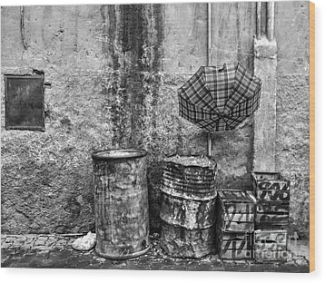 Rain Bw Marrakesh Wood Print by Chuck Kuhn