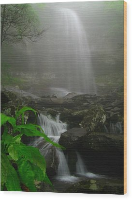 Wood Print featuring the photograph Rainbow Falls In Fog by Doug McPherson