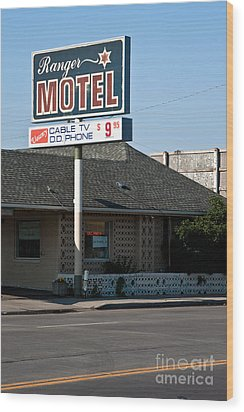 Ranger Motel Wood Print by Lawrence Burry