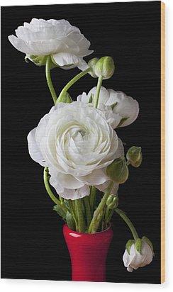 Ranunculus In Red Vase Wood Print by Garry Gay