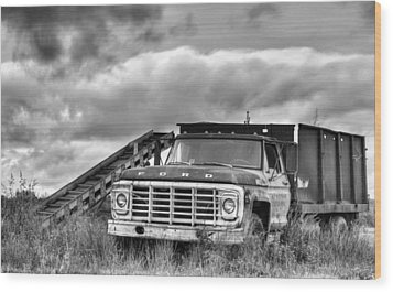 Ready For The Harvest Bw Wood Print by JC Findley