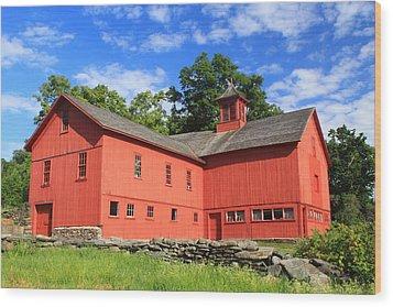 Red Barn At Bryant Homestead Wood Print by John Burk
