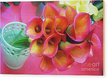 Red Calla Lilies Wood Print by AmaS Art