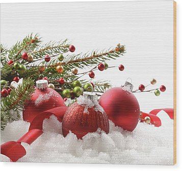 Red Christmas Balls In The Snow  Wood Print by Sandra Cunningham
