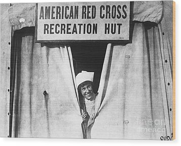 Red Cross Nurse, 1918 Wood Print by Photo Researchers
