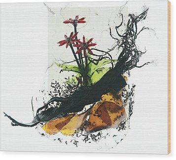 Red Flowers Wood Print by Mariann Taubensee