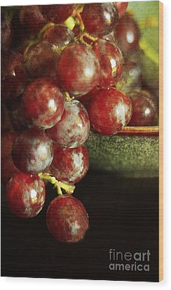 Red Grapes Wood Print by Darren Fisher
