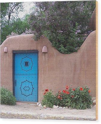 Red Poppies Blue Door Nb Wood Print