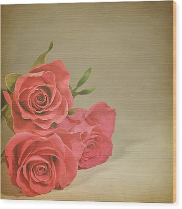 Red Roses Wood Print by Photo - Lyn Randle