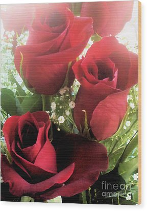 Red Roses Wood Print by Tammy Herrin