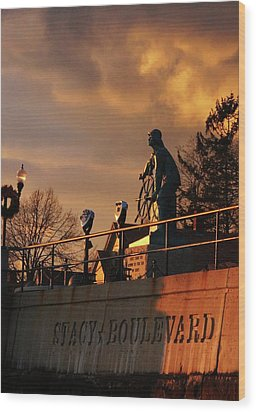 Red Sky At Night - Sailors Delight Wood Print by Matthew Green