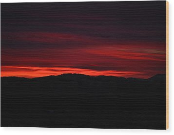 Red Velvet Sky Wood Print by Kevin Bone