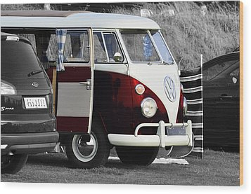 Red Vw Camper Wood Print by Paul Howarth