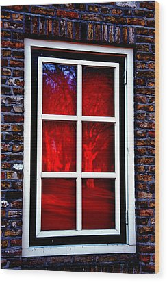 Red Window Holland Wood Print by Rick Bragan