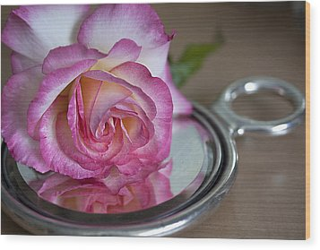 Reflected Beauty L Wood Print by Shirley Mitchell