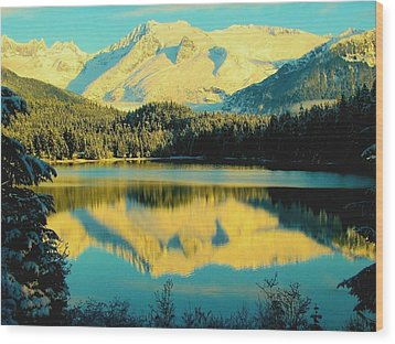 Reflecting On Auke Lake Wood Print by Myrna Bradshaw