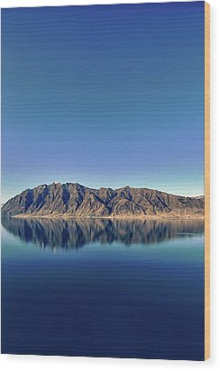 Reflections On Lake Hawea Wood Print by Verity E. Milligan