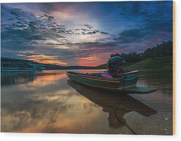 Rest Time Wood Boat Wood Print by Arthit Somsakul