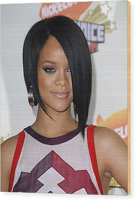 Rihanna At Arrivals For 2007 Wood Print by Everett