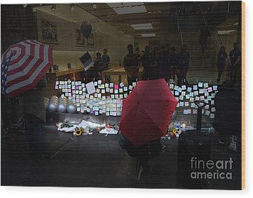 Rip Steve Jobs . October 5 2011 . San Francisco Apple Store Memorial 7dimg8558.highlighted Wood Print by Wingsdomain Art and Photography