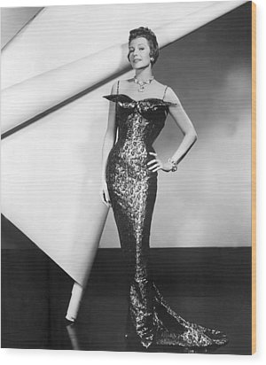 Rita Hayworth In Publicity Pose For Pal Wood Print by Everett