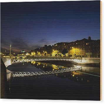River Liffey, Millenium Footbridge At Wood Print by The Irish Image Collection