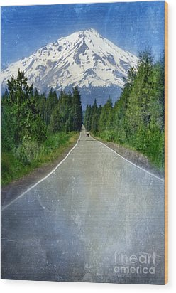 Road Leading To Snow Covered Mount Shasta Wood Print by Jill Battaglia