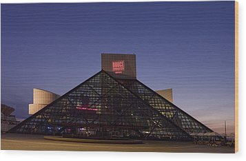 Rock And Roll Hall Of Fame Cleveland Wood Print by Everett