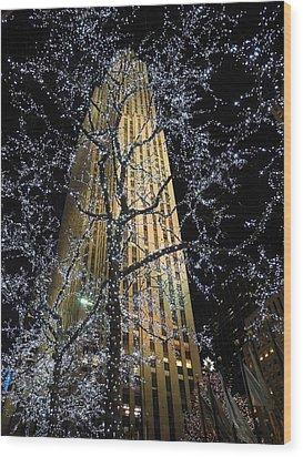 Rockefeller Center Christmas Wood Print by David Halperin
