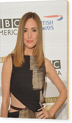 Rose Byrne In Gucci At Arrivals For 8th Wood Print by Everett