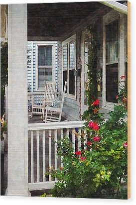 Roses And Rocking Chairs Wood Print by Susan Savad