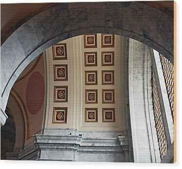 Rotunda Arches Wood Print by Chuck Flewelling