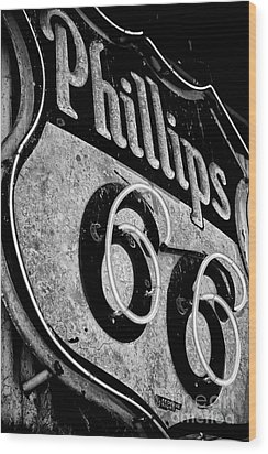 Route 66 Sign Black And White Wood Print by Hideaki Sakurai