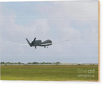 Rq-4 Global Hawks First Flight Wood Print by Photo Researchers